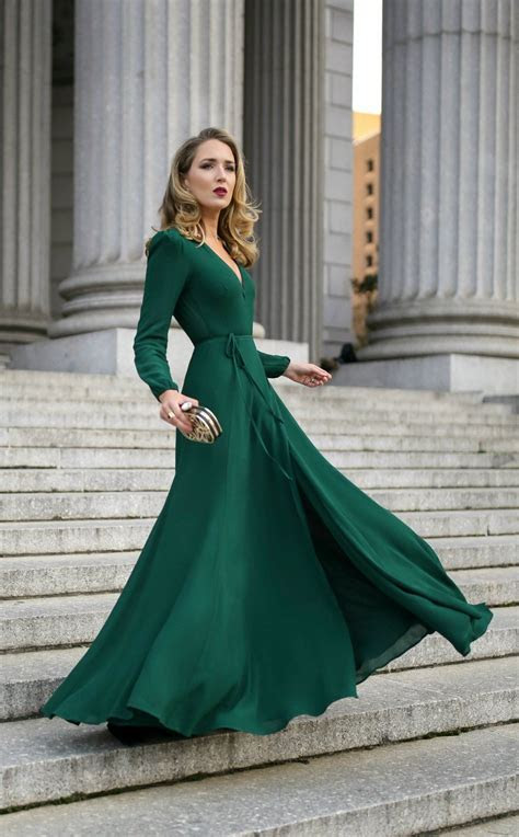 What to Wear to a Black Tie Wedding // Emerald green long