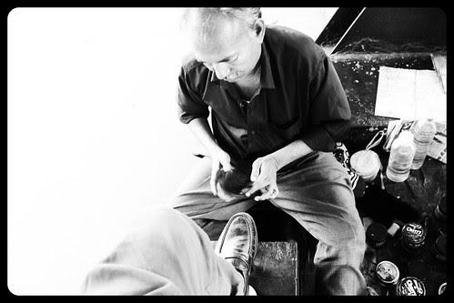the shoe shine guy by firoze shakir photographerno1