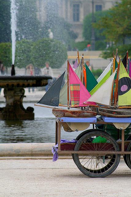the-travelblog:  blogbyjoyce:bonparisien-Paris, France