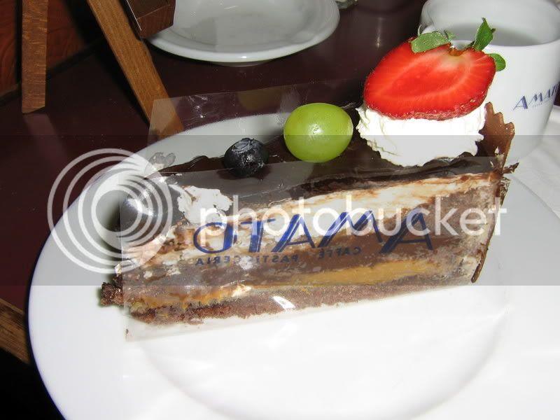 Rullsenberg's Amato cake