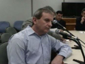 Doleiro Alberto Youssef, em depoimento nesta segunda-feira (10), em Curitiba (Foto: Reprodução)