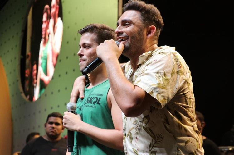 Feito às escondidas, o plano contou com a ajuda do cantor sertanejo Mano Walter