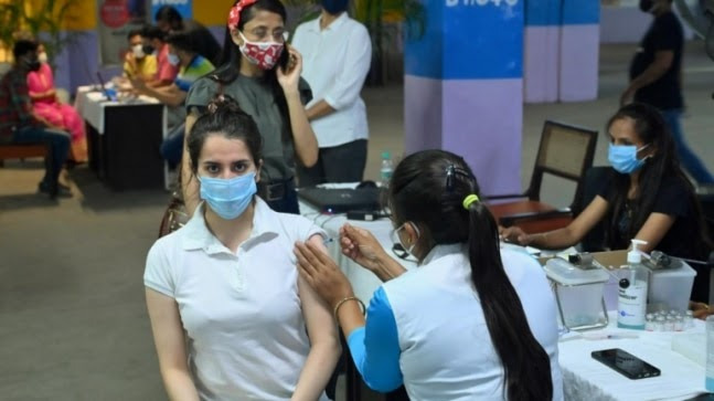 Noida starts Covid-19 vaccination drive from today for parents with kids below 12 years https://ift.tt/3fCcWdu