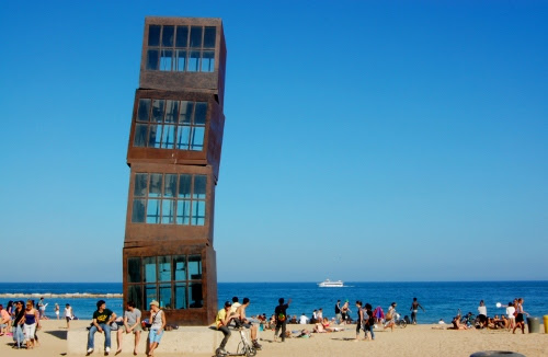 Barcelona - beach city and drinks at CDLC