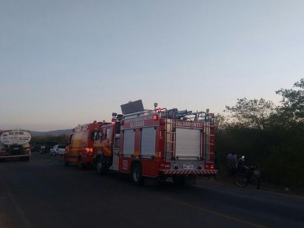 Equipe do Corpo de Bombeiros esteve no local do acidente (Foto: Divulgação/Corpo de Bombeiros)