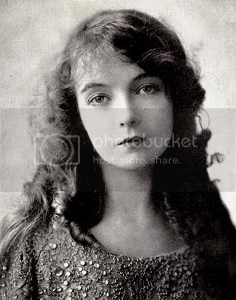 http://i683.photobucket.com/albums/vv199/cinemabecomesher/actors/LillianGish/Lillian-Gish-dresswithstones.jpg