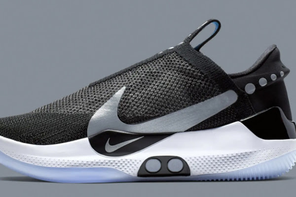 9c743dfae95 Nike has finally achieved its decade-long dream  an auto-lacing smart shoe