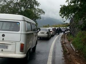 Acidente na BR-262 em Biriricas, no Espírito Santo (Foto: Gabriela de Castro/ Foto Leitor A Gazeta)