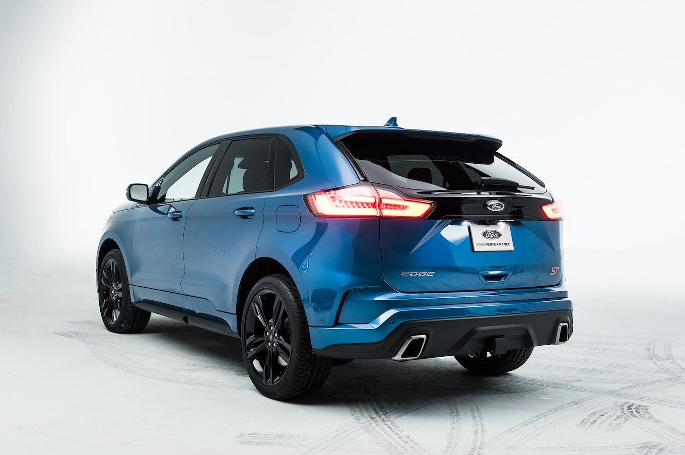 Video Shows the 2019 Ford Edge ST Inside and Out - Motor ...