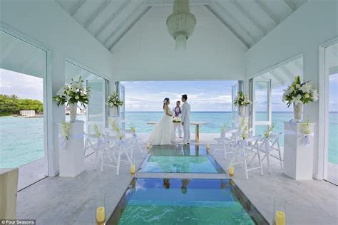 Glass bottomed chapel takes beach weddings to a whole new