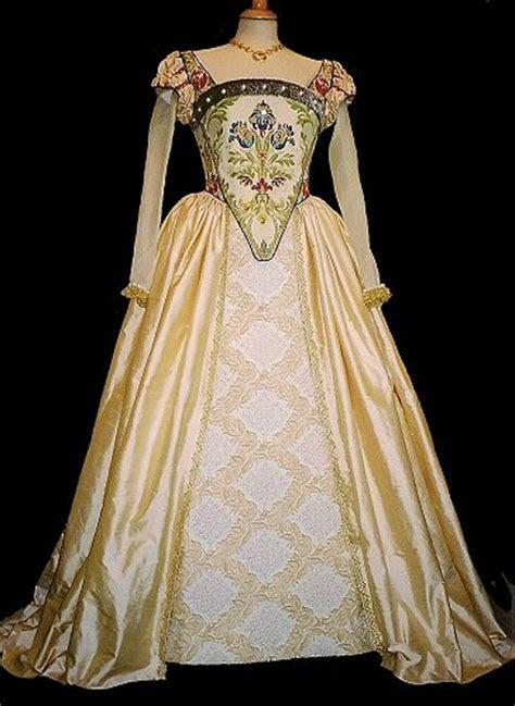 Kat's M & M: Wedding Dresses Through Time