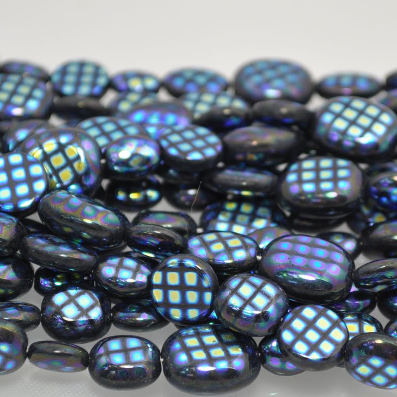 s39864 Glass Peacock Beads -  Puff Mix - Black Scarab (strand 25)
