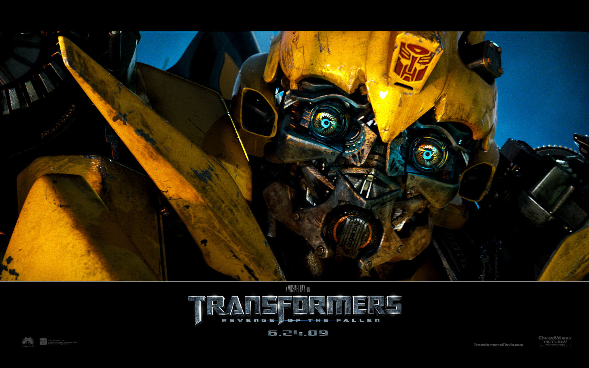 Bumble Bee In Transformers Revenge Of The Fallen Desktop Wallpaper