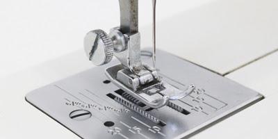 Como Se Pone El Hilo En Una Maquina De Coser - Cosas Calientes