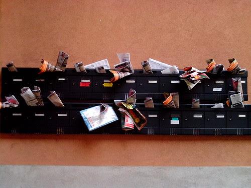 Muro, c'è posta per tutti by Ylbert Durishti