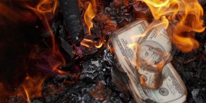 Esperto americano: La bolla da 1,5 quadrilioni di dollari in derivati sta per abbattersi sul sistema economico mondiale