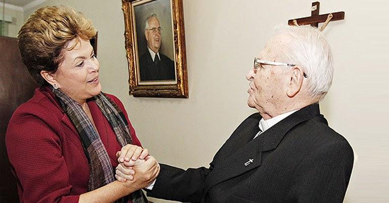 D Paulo com Dilma.jpg