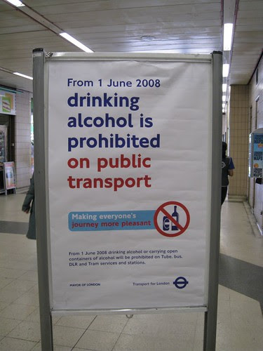 No alcohol on public transport sign taken by Drew Post at Baker Street