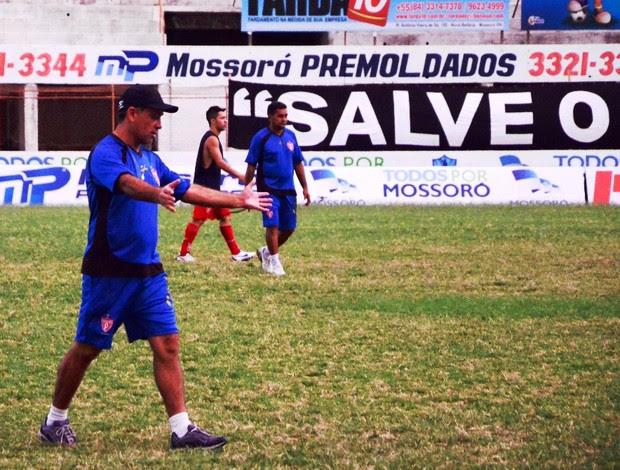 Celso Teixeira, técnico do Potiguar de Mossoró (Foto: Wilson Moreno/Gazeta do Oeste)