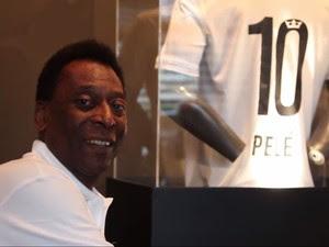 Pelé é transferido para UTI e faz hemodiálise em hospital de SP