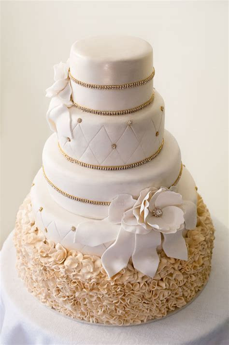 Sydney wedding cake   idea in 2017   Bella wedding