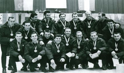1964 Soviet Union team photo 1984 Soviet Union gold medal team.png