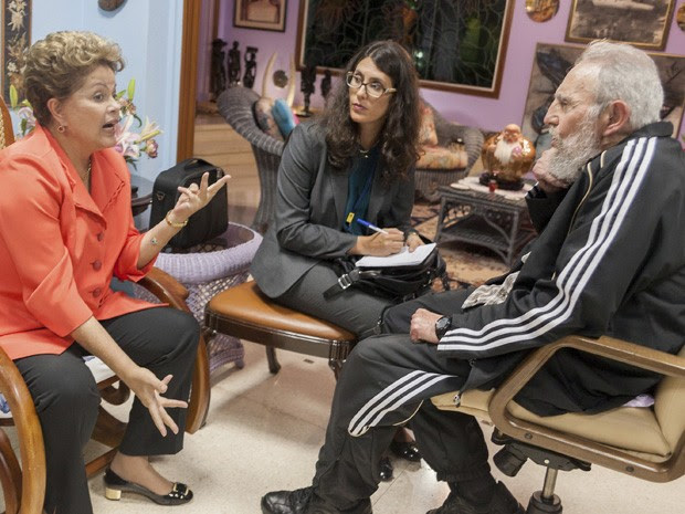 Dilma Rousseff e Fidel Castro se reúnem em Havana nesta segunda-feira (27). (Foto: Alex Castro/Cubadebate/AP)