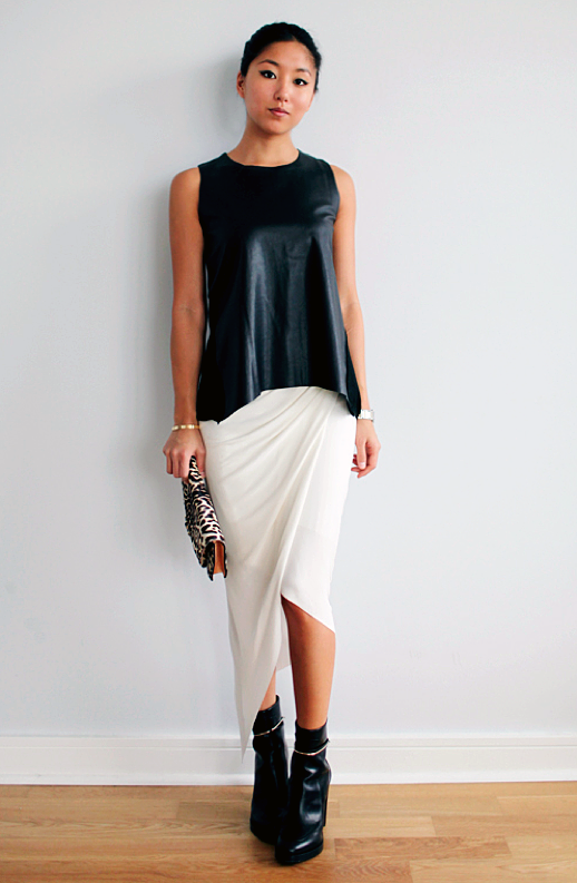LE FASHION BLOG BLACK WHITE INSPIRATION FRANCES PINK HORROR SHOW BLOG HELMUT LANG WHITE ASYMMETRICAL MIDI SKIRT GIVENCHY METAL GOLD STRAP BOOTS ZARA LEATHER PEPLUM TANK TOP GIVENCHY LEOPARD CLUTCH