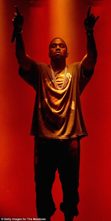 Hail yeezus: Kanye foi a atração principal do dois de música dia e festival de artes