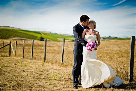What Is The Cost Of Hiring A Wedding Photographer   PubPot.com