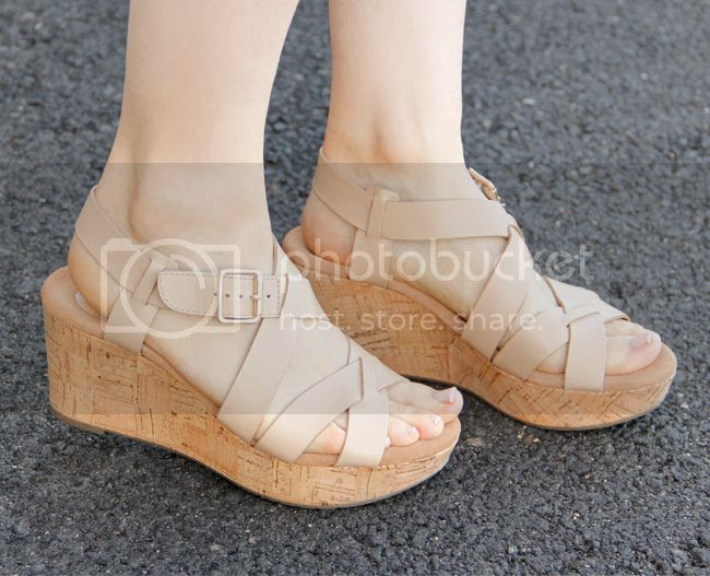 Clarks Caslynn Cheryl wedges in nude leather