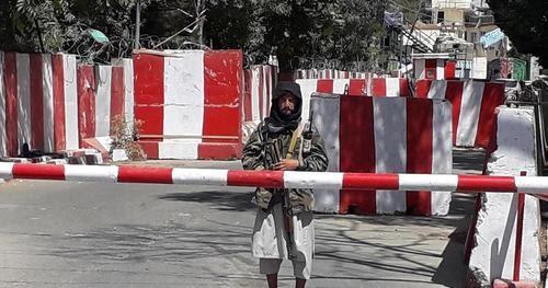 Estados Unidos pide a los talibanes que 'perdonen' su embajada en la próxima batalla de Kabul