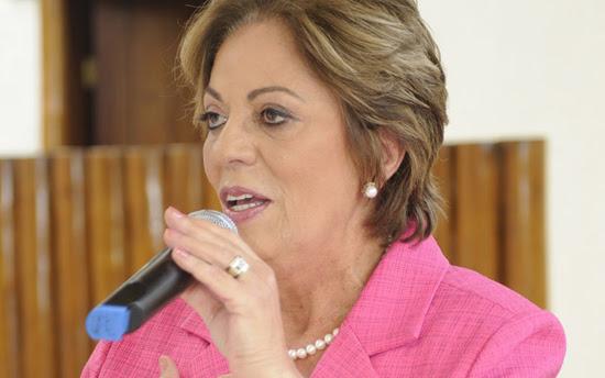 Rosalba no microfone