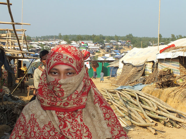A Rohingya woman at Kutupalong camp in Bangladesh. Credit: Naimul Haq/IPS