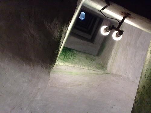 Le scale per Napoli sotterranea by durishti