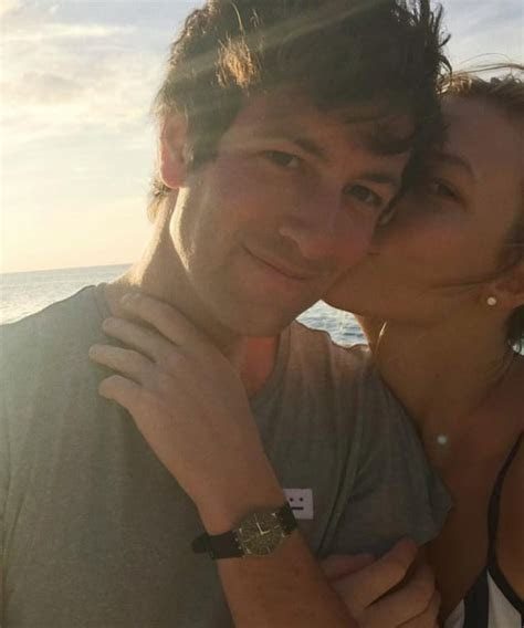 Karlie Kloss: Engaged to Josh Kushner! See Her Massive