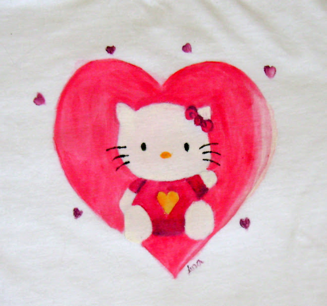 T-shirt Hello Kitty Tamanho 6 - 10Euros