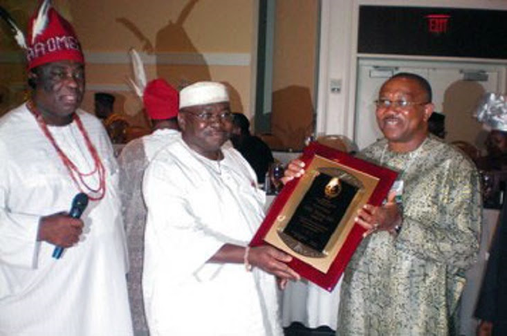 Peter Obi receiving an 'award' from the then president of ASA-USA and Board Chairman of ASA-USA