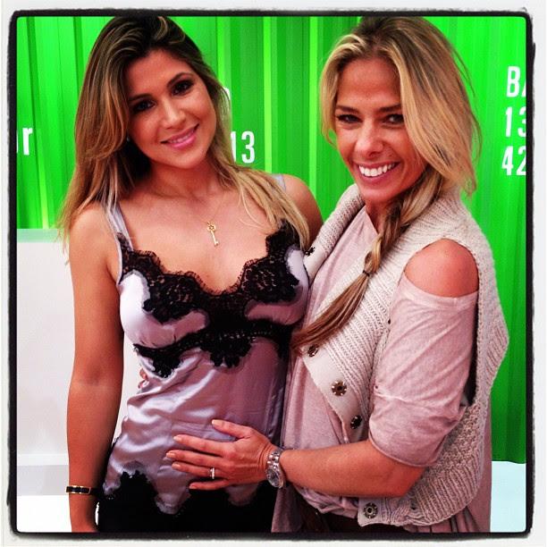 Danielle Souza, a Mulher Samambaia, e Adriane Galisteu (Foto: Twitter/ Reprodução)