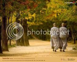 http://i1185.photobucket.com/albums/z354/maithoduytan/chuyen2nhasu2_zpsb106110a.jpg