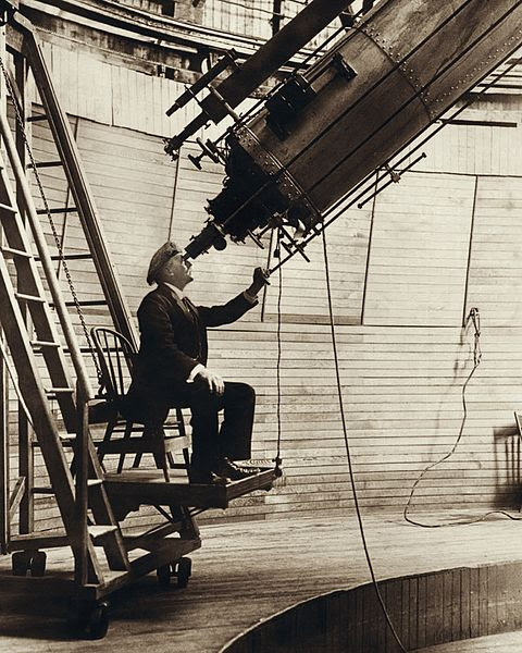 File:Percival Lowell observing Venus from the Lowell Observatory in 1914.jpg
