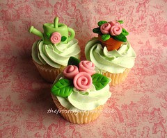Tuesday Toppers: Small ribbon roses
