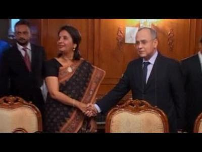 India, Pakistan discuss Kashmir peace