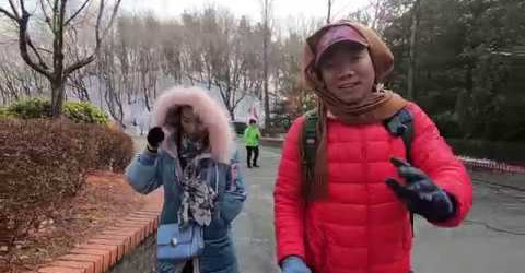 Cô gái xinh đẹp KỂ CHUYỆN NGƯỜI LỚN 18+ tour DU LỊCH HÀN QUỐC công viên EVERLAND I cuộc sống sài gòn