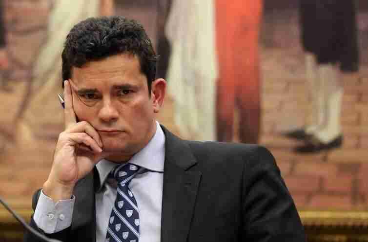 Resultado de imagem para Não há o que sustente Sergio Moro no cargo
