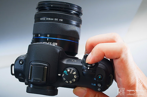 Samsung_NX10_1855mm_09