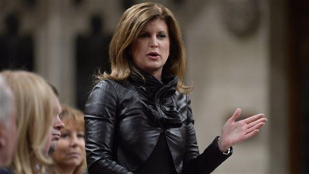 La chef par intérim du Parti conservateur, Rona Ambrose, a talonné le premier ministre Trudeau sur la question d'Énergie Est.