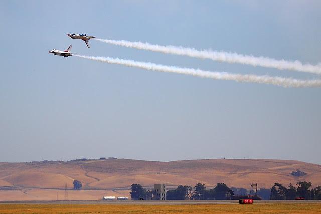 IMG_3134 Thunderbirds, Travis AFB Air Show