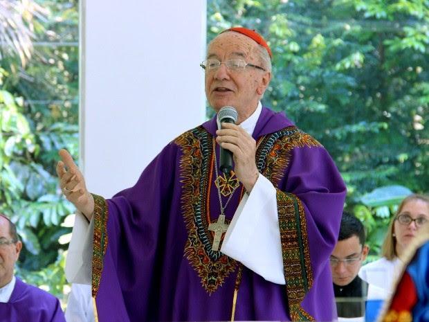 Durante celebração, Dom Cláudio Hummes salientou importância de tornar igreja mais missionária (Foto: Jamile Alves/G1 AM)