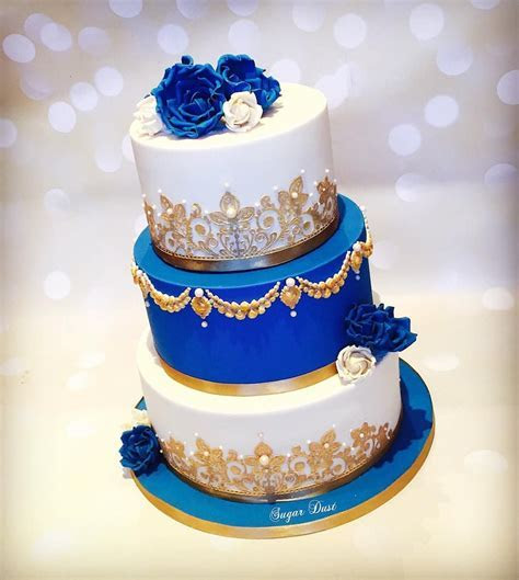 A royal blue & ivory cake for the lovely Lavanya for
